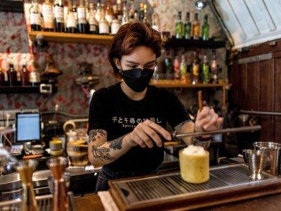 Bangkok bars battle to beat booze ban battering