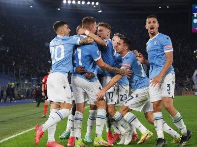 Inter 'lose heads' in Lazio defeat as battling AC Milan go top