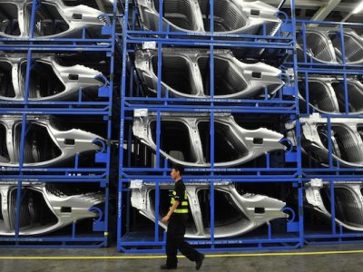 EU car sales bounce back past 1 million in March