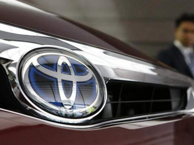 Toyota overtakes VW as top-selling global auto maker