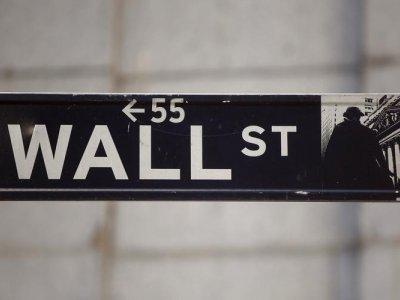 Wall Street week ahead... growth or value?