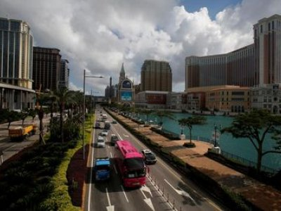 As cash flees junkets, Macau faces long odds of quick recovery