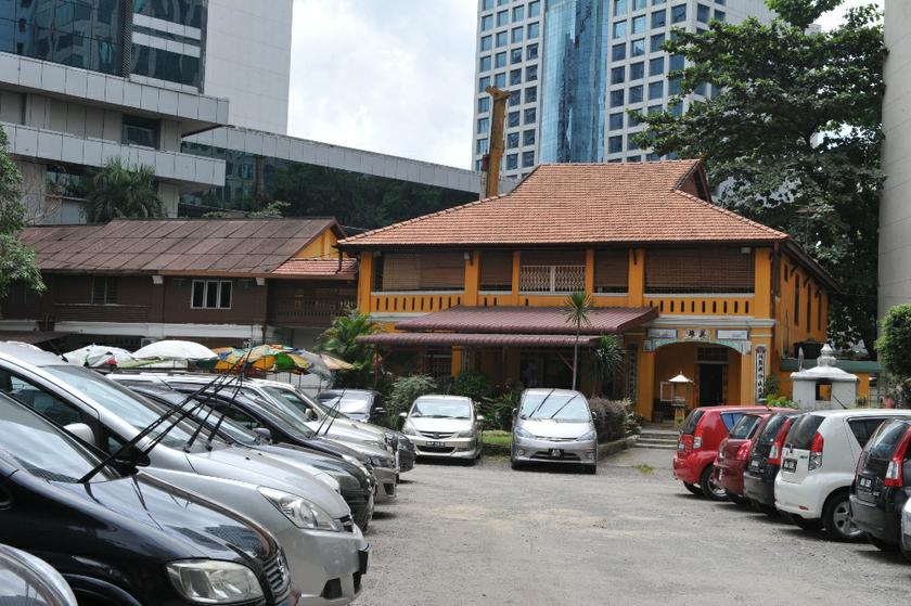 The carpark at the Kuan Yin temple located in Jalan Ceylon where the murder of Hussain Najadi took place. — Picture by Saw Siow Feng