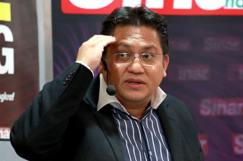 Nur Jazlan said the composition of the Selangor PAC, which reflects the PR-majority proportion of the state's legislative assembly, does not matter because decisions in the committee are made by consensus. — Picture by Siow Feng Saw