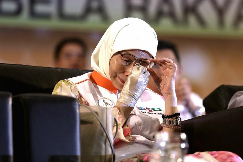 PKR president Datuk Seri Dr Wan Azizah was not nominated for Selangor's top job despite having a clear of the Selangor State Assembly, September 22, 2014 Saw Siong Feng