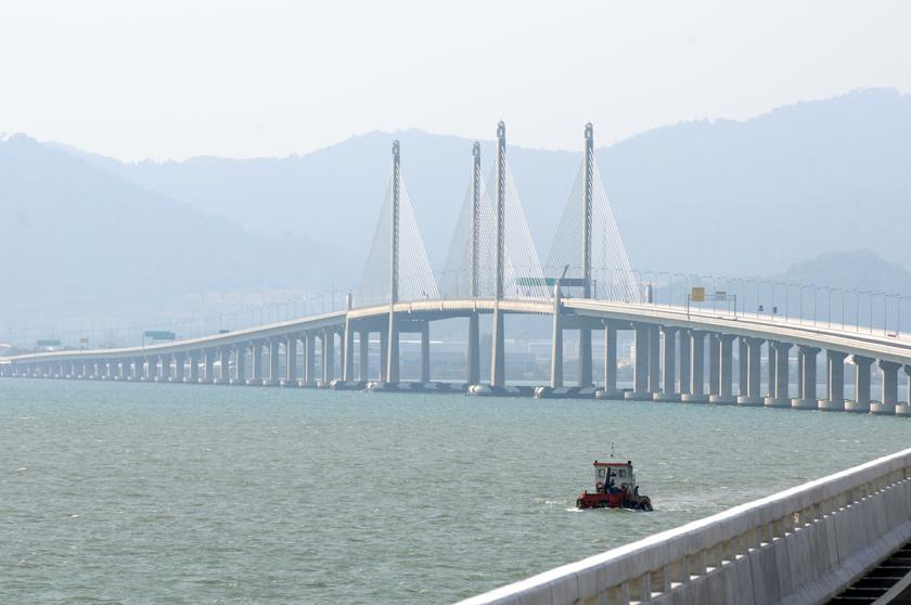 The RM4.5 billion Penang Second Bridge was completed and opened to traffic in March 2014. — Picture by K.E. Ooi