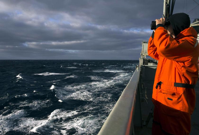 Marine exploration company GeoResonance claims that it has identified elements on the ocean floor in the Bay of Bengal consistent with material from a Boeing 777 plane, Australian news channel 7News reported today. File picture of a crew member on Australian Navy ship the HMAS Success looking for Flight MH370 taken on March 31, 2014. — Reuters pic