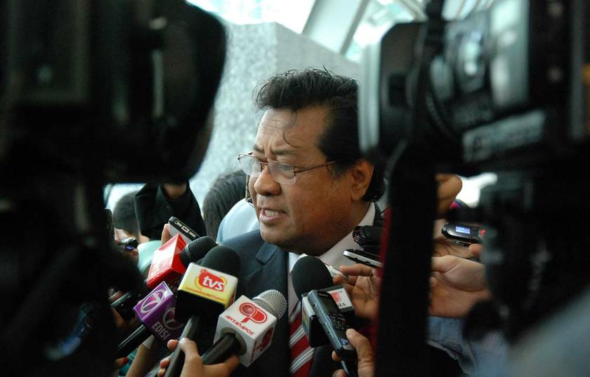Selangor Mentri Besar Tan Sri Khalid Ibrahim reafirms that the Kinrara- Damansara Expressway (Kidex) is necessary for the state's future growth. — Picture by Yusof Mat Isa