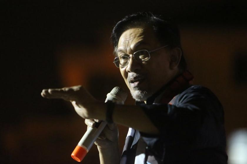 Datuk Seri Anwar Ibrahim said in an interview with Thai newspaper The Nation that former prime minister Dr Mahathir Mohamad still wields a 'small influence' but claimed that it was not substantial. —  Picture by Choo Choy May