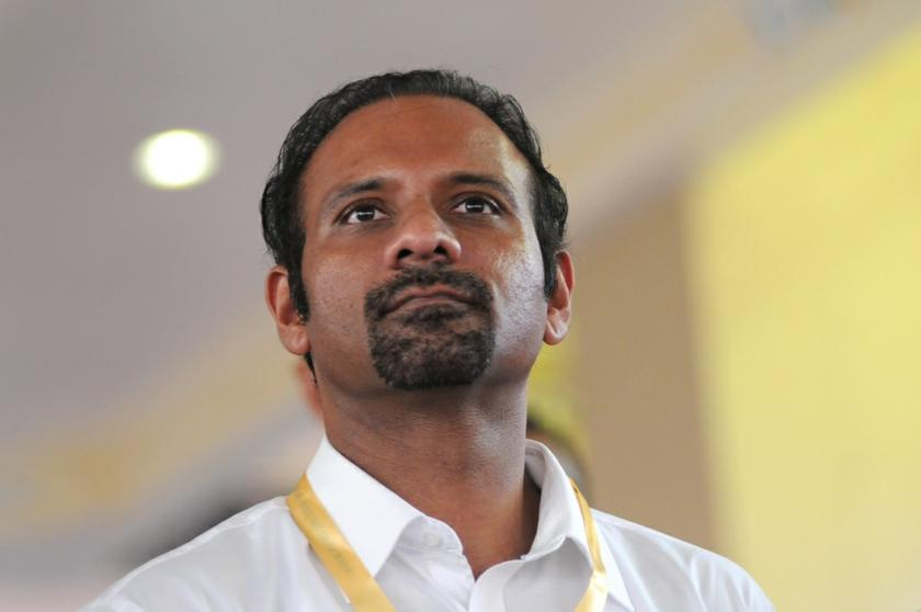 Ramkarpal Singh Deo stressed that Dr Mahathir's desire to oust Najib was not fuelled by a need for a clean, transparent government, but only to 'save Umno'. — Picture by KE Ooi