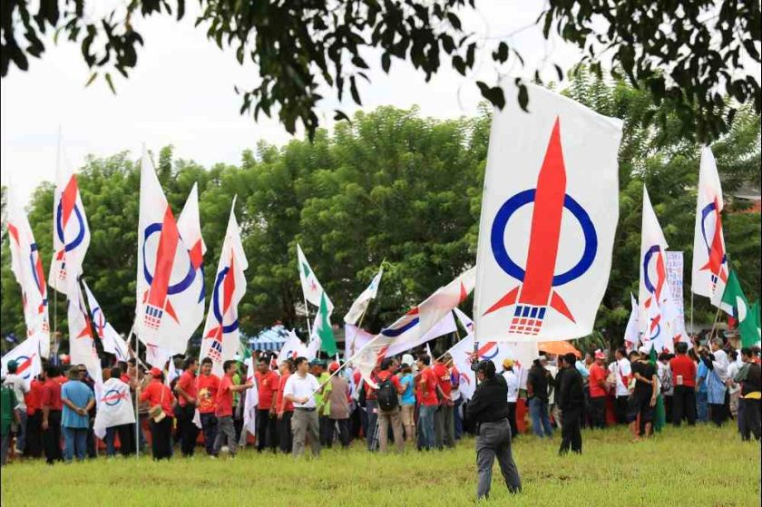A recent study by Selangor government think-tank Institut Darul Ehsan (IDE) indicated that the campaign to vilify the DAP as an anti-Islam and anti-Malay party has gained traction, particularly among Malays in rural areas where the party is traditionally weakest and rivals Umno and PAS, strongest. — Picture by Saw Siow Feng