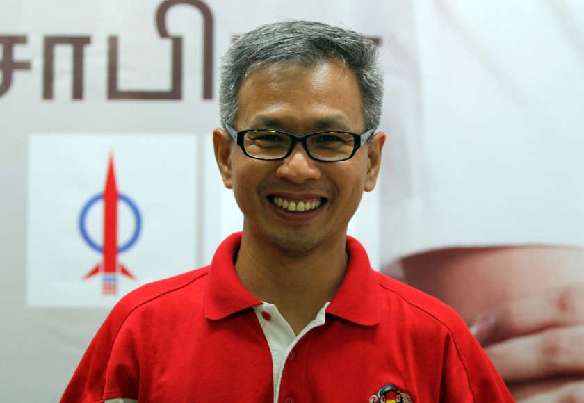 DAP's Tony Pua told Malay Mail Online he successfully entered Sarawak at 9.30am, but detained by the state's Immigration officers in Lutong, Miri while having lunch. — Picture by Yusof Mat Isa