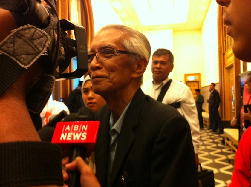 The son of academic Kassim Ahmad (pictured) expressed regret that his father was not able to complete the translation of the Quran into Malay. — File picture by Boo Su-Lyn