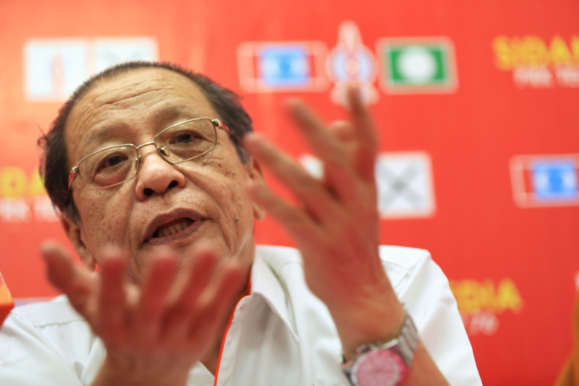 DAP veteran Lim Kit Siang said the overwhelming Malay domination of the country's demographic makeup would make it impossible for the Malays to lose political power in the next federal polls. — Picture by Saw Siow Feng