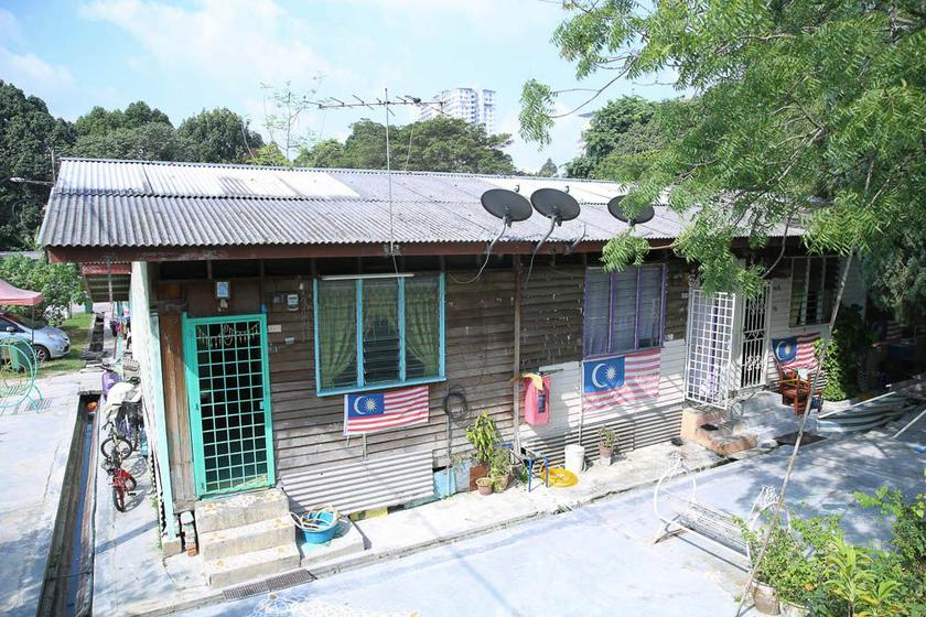 Damai Kiaramas wants to provide a long-term solution for the former estate workers still living in 'temporary' longhouses after their estate was closed down 32 years ago. — Picture by Choo Choy May