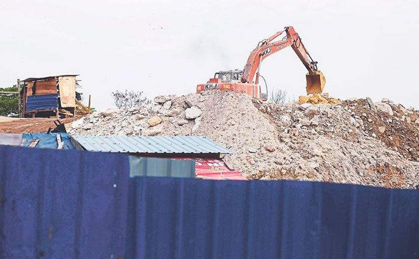 File picture of a sand mining site. ― Malay Mail pic