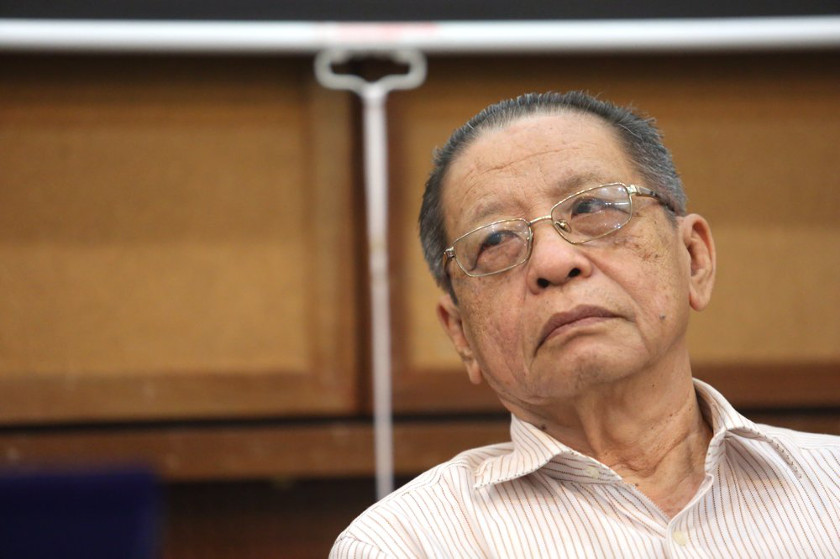 DAP veteran Lim Kit Siang has urged the government to review decisions made by Universiti Malaya and Universiti Kebangsaan Malaysia to stay out of a popular Times Higher Education university ranking study. — Picture by Choo Choy May