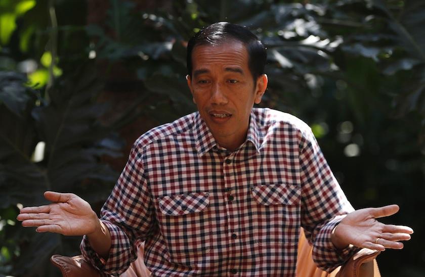 根据法院的判决,印尼中央政府包括总统佐科,必须向人民和媒体机构道歉。-路透社-