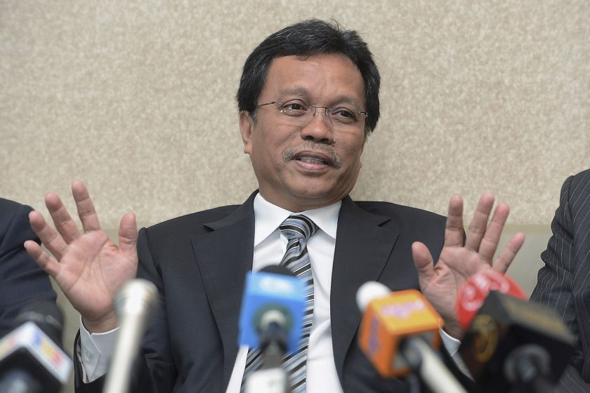 Datuk Seri Shafie Apdal recently announced his resignation from Umno in a spirited speech from his Semporna residence. ― Bernama pic