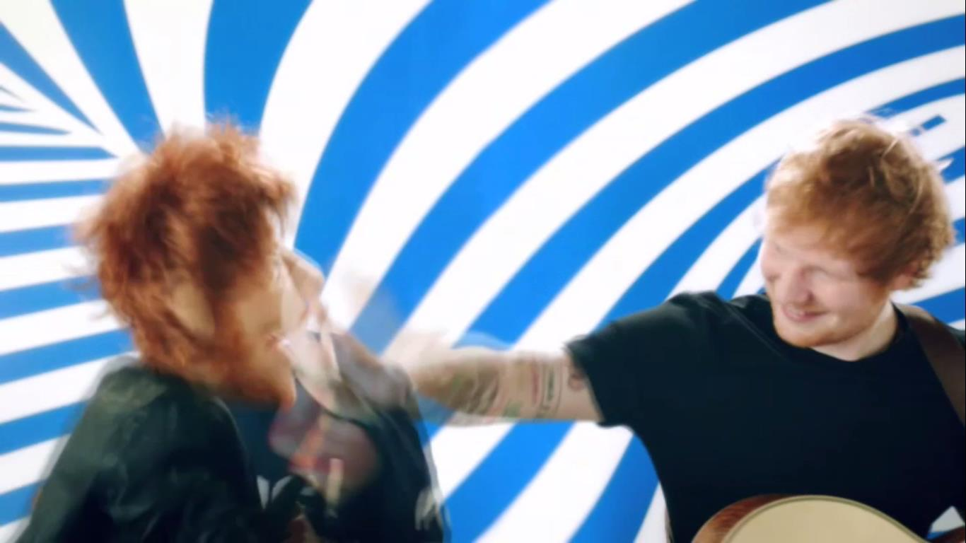 Ed Sheeran has denied all rumours that he's in the middle of a feud with Miley Cyrus.