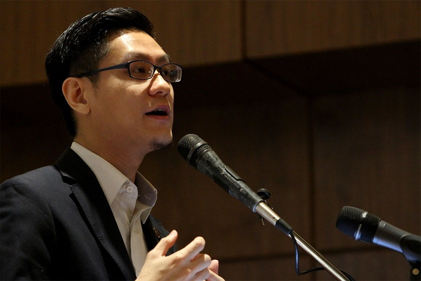 DAP's Zairil Khir Johari has proposed proposed that graduates only repay their PTPTN loans when their salaries hit about RM42,000 a year, allowing them the financial leeway to service their debt. ― Picture by Yusof Mat Isa
