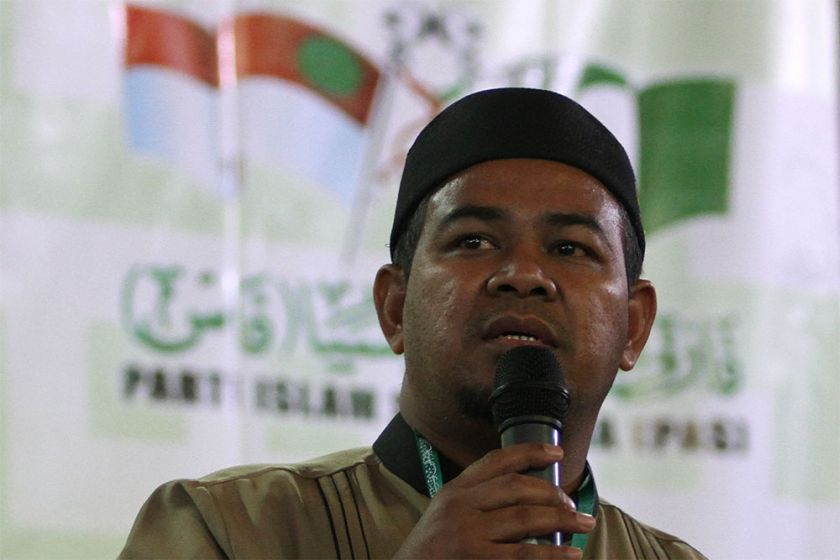 PAS lawmaker Dr Mohd Khairuddin Aman Razali says Putrajaya should give RM100 monthly aid for students to cope with the rise in living costs. ― File pic