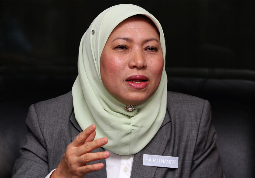 De facto law minister Nancy Shukri wanted to submit a proposal to amend the Penal Code abolishing the mandatory death sentence to the Dewan Rakyat as early as next March. — File pic