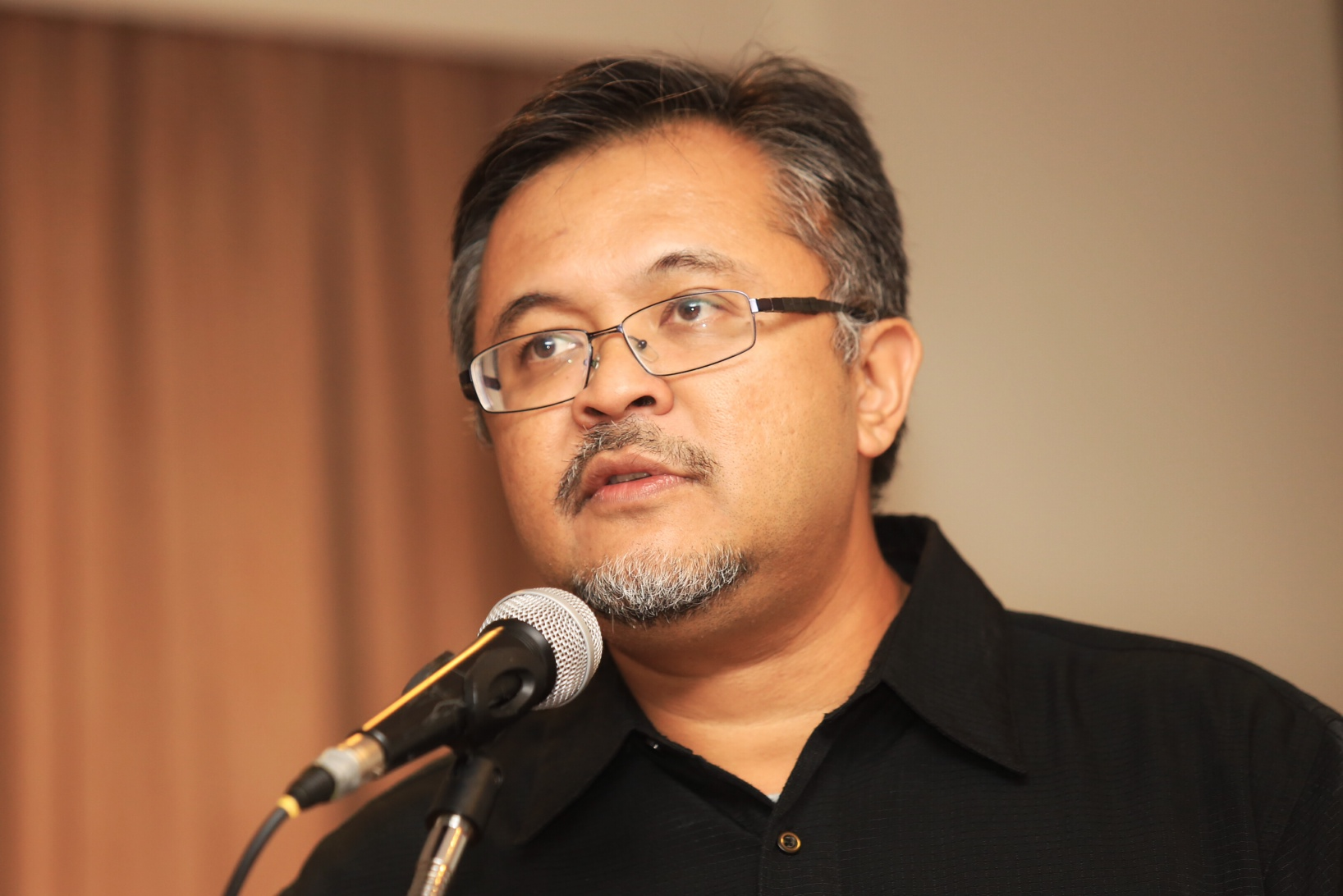 Ibrahim Suffian of independent pollster Merdeka Center said interest among members of the public in the opposition cooled after the 2013 election. ― Picture by Saw Siow Feng