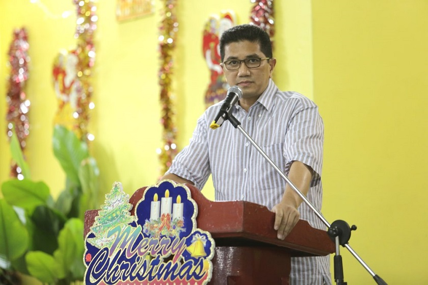 Selangor mentri besar Datuk Seri Azmin Ali (pictured) said sexiness is God's creation, in response to PAS Youth's call for the state to ban the concert by the 'sexy' US pop singer Selena Gomez. — File pic