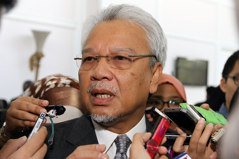 """Ahmad Husni confirmed the Finance Ministry's clarification earlier this week that the redemption is in the form of """"units"""" and not US dollars as previously claimed by 1MDB CEO Arul Kanda Kandasamy. — Picture by Yusof Mat Isa"""