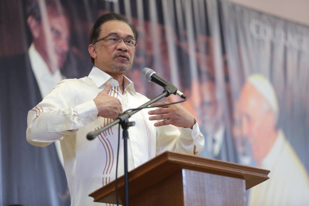 Datuk Seri Anwar Ibrahim, delivers a speech at the Deepavali-Christmas celebration in the Holy Family Catholic Church, Kajang, Selangor, December 7, 2014. — Picture by Choo Choy May