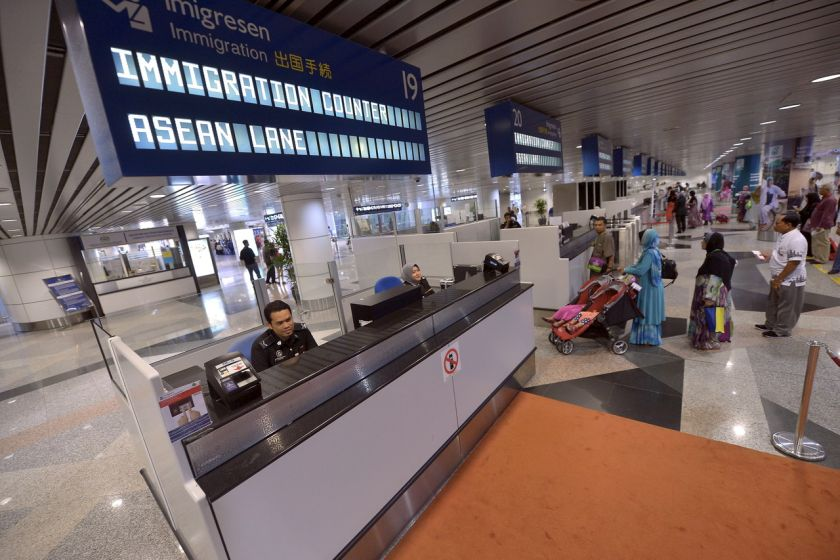 Three hundred facial recognition devices had been installed at KL International Airport (KLIA) and klia2 to scan those entering and exiting the country. — Bernama pic