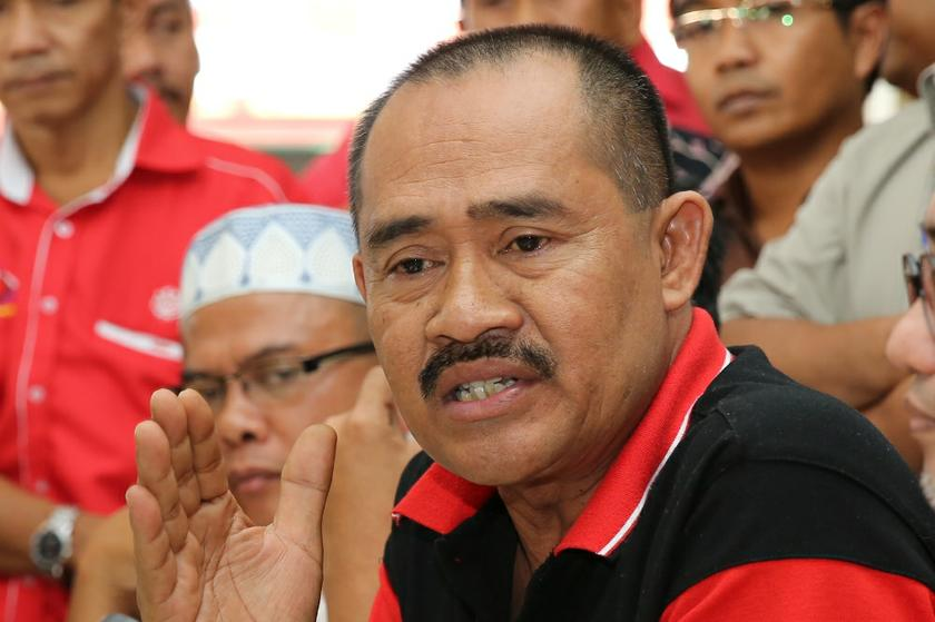 Selangor Perkasa chief Abu Bakar Yahya (pic) says the paintings by artist Vincent Leong are aimed at belittling the Federal Constitution and to humiliate the country. ― File pic