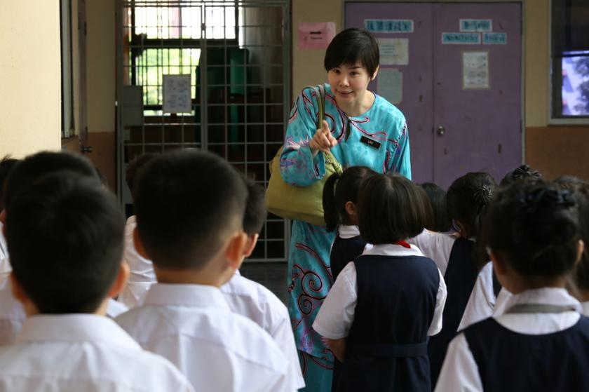 The Education Ministry said Telekom Malaysia Berhad, Celcom Axiata Berhad and Maxis Broadband Sdn Bhd will take over as internet service providers (ISP) to all the schools beginning July 1. — Picture by Saw Siow Feng