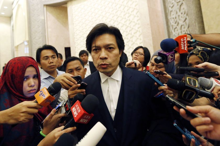 Sirul Azhar's lawyer Kamarul Hisham Kamaruddin (pic) speaks to the media at the Federal court in this January 13, 2015 file picture. ― Reuters pic