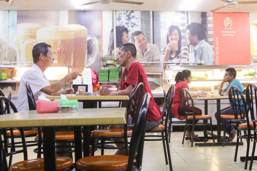 Malay Mail Online reported back in January that mamak restaurants, staple dining spots in most locales across the Klang Valley and major cities, have refused to bring down prices despite an expected drop in overhead costs triggered by tumbling fuel prices. ― Picture by Choo Choy May
