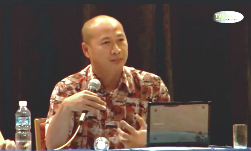 Ridhuan Tee Abdullah asserts that Chinese vernacular schools continue to have poor command of the national language. —  YouTube videograb