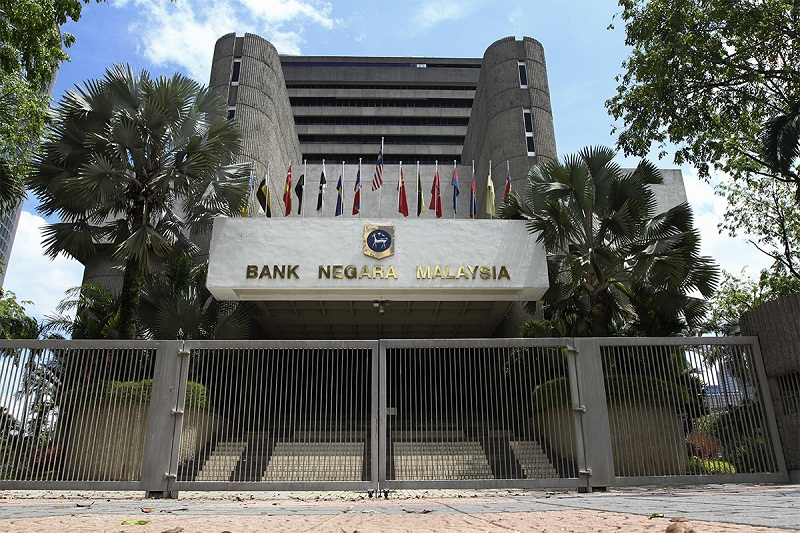 BNM's assessment for the Malaysian economy in the coming year shows the difficulties of forecasting during a period of significant disruption in economic activity. — Picture by Yusof Mat Isa