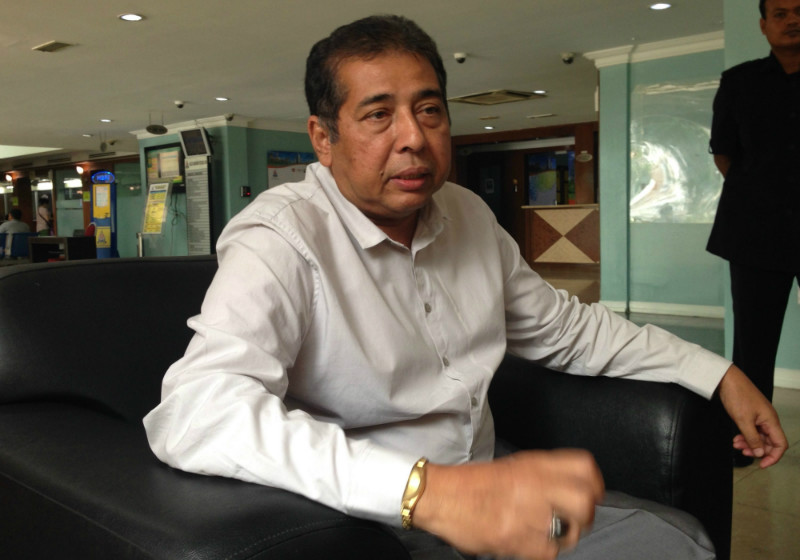 Yesterday, Umno branch leader Datuk Abdullah Abu Bakar confirmed that the Muslims who staged the cross protest on Sunday want to contest the legality of the church that had put it up. ― File pic
