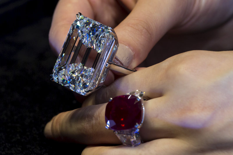 Do you know the difference between heated and unheated rubies? Can you spot an emerald that has been oiled, vs one that contains no oil? Probably not. But those enhancements greatly affect the value of stones.