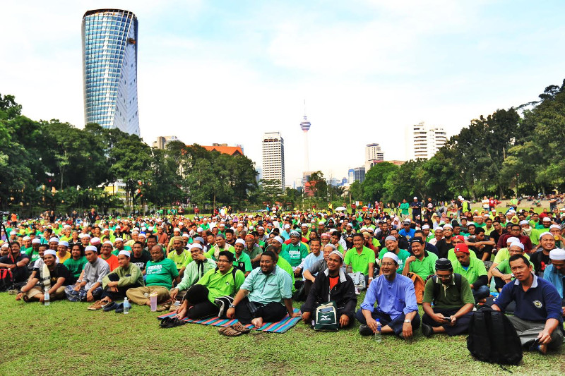 File picture shows hundreds of people gathering for the anti-GST rally Himpunan Derita Rakyat (Hindar) at Padang Merbok, April 11, 2015. — Picture by Saw Siow Feng