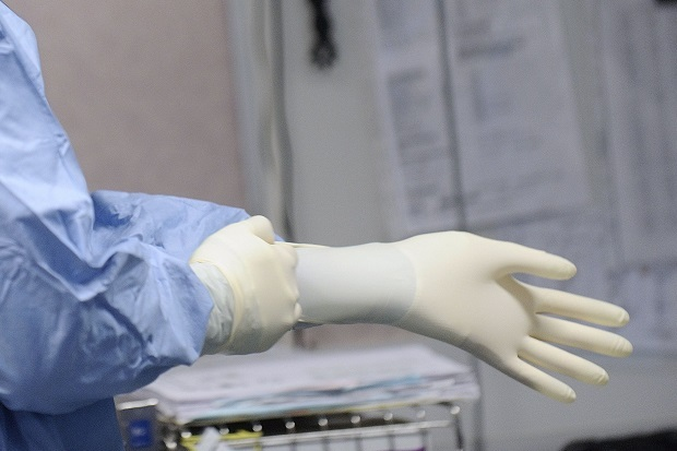 Fintec Glove Sdn Bhd has reached an agreement with Robayu Corporation to enter into an MoU to supply medical grade gloves in Europe. — AFP pic