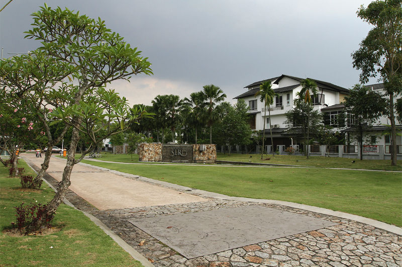 A township with well-maintained landscape in Shah Alam.