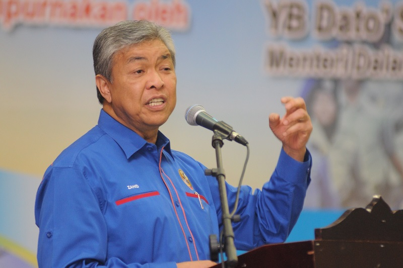 Datuk Seri Dr Ahmad Zahid Hamidi said the authorities will investigate The Edge following the arrest of a former PetroSaudi executive believed to be the source of the leaked documents on an abortive US$1.2 billion (RM4.5 billion) 1MDB-PetroSaudi venture from which hundreds of millions were allegedly siphoned out. — Picture by K.E. Ooi