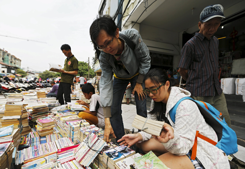 Used books such as these can be exchanged without condition by the side of Jalan Taman Desa, Kuala Lumpur on the first Sunday of every month. — File pic