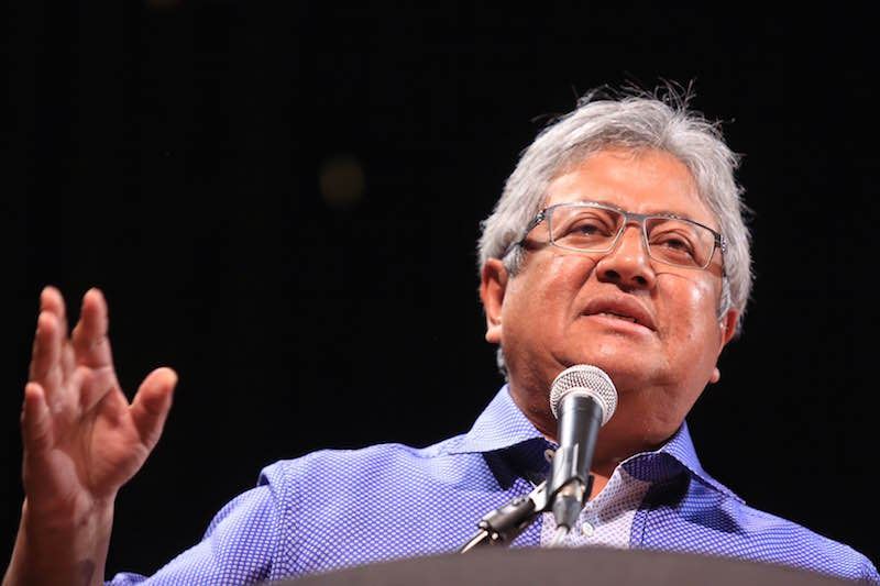 Datuk Zaid Ibrahim was accused of using an internet application and consciously uploaded the offensive speech titled 'Rally Behind Tun Dr Mahathir Mohamad' on his blog with the intention of hurting the feelings of others. — Picture by Saw Siow Feng