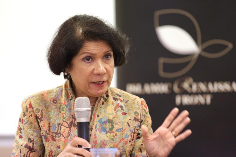Former Sessions Court judge Datuk Noor Farida Ariffin speaks during the roundtable discussion on Islam and human rights, in Kuala Lumpur, June 14, 2015. — Picture by Choo Choy May
