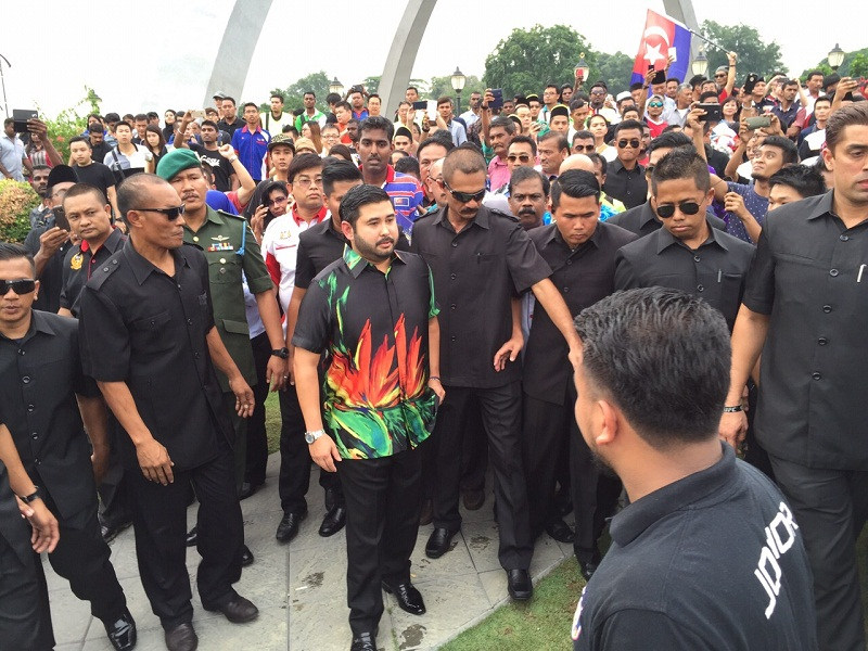Johor crown prince Tunku Ismail Ibrahim (centre) said the Johor royal family should not be associated with 'the mess' currently affecting the country, adding that it has always been strong, independent and resourceful. — File pic