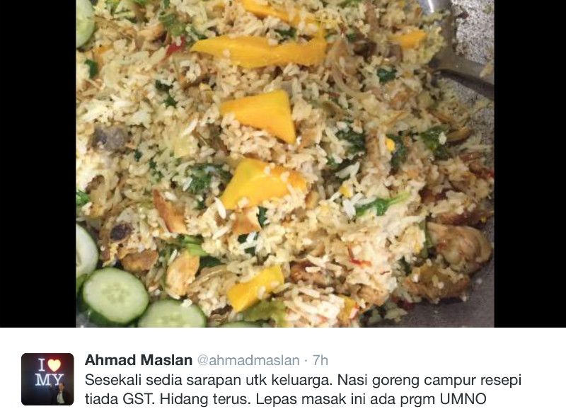 Many Twitter users asked Ahmad Maslan why he prepared his fried rice with cucumber decorations placed on the wok as if he would eat directly from it. — Twitter screengrab
