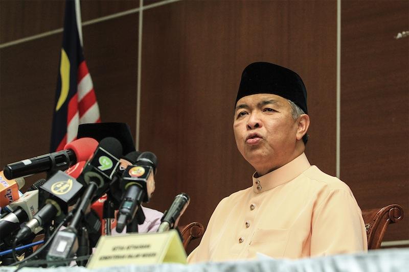 Deputy Prime Minister Datuk Seri Ahmad Zahid Hamidi speaks during a press conference at Bukit Aman in Kuala Lumpur, July 31, 2015. — Picture by Yusof Mat Isa
